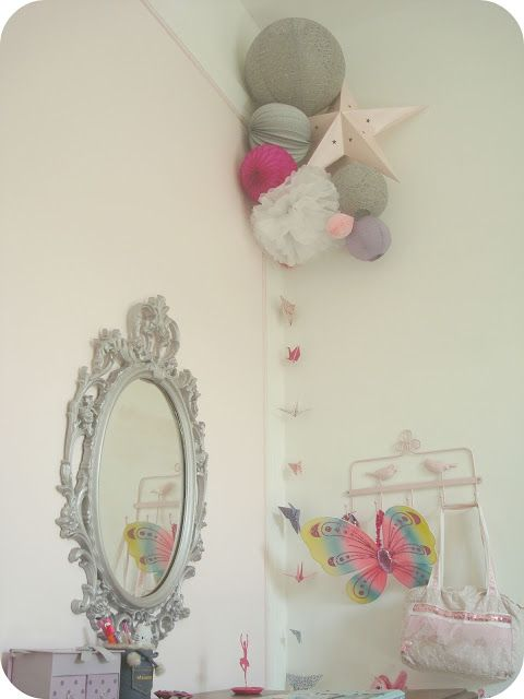 Miroir baroque relooké et lampions pour chambre girly. Upcycled ...