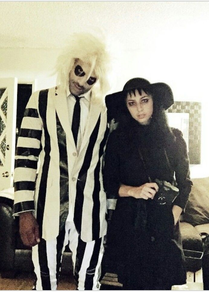 Beetlejuice Lydia Couples Costumes Couple Halloween Costumes Cool Couple Halloween Costumes