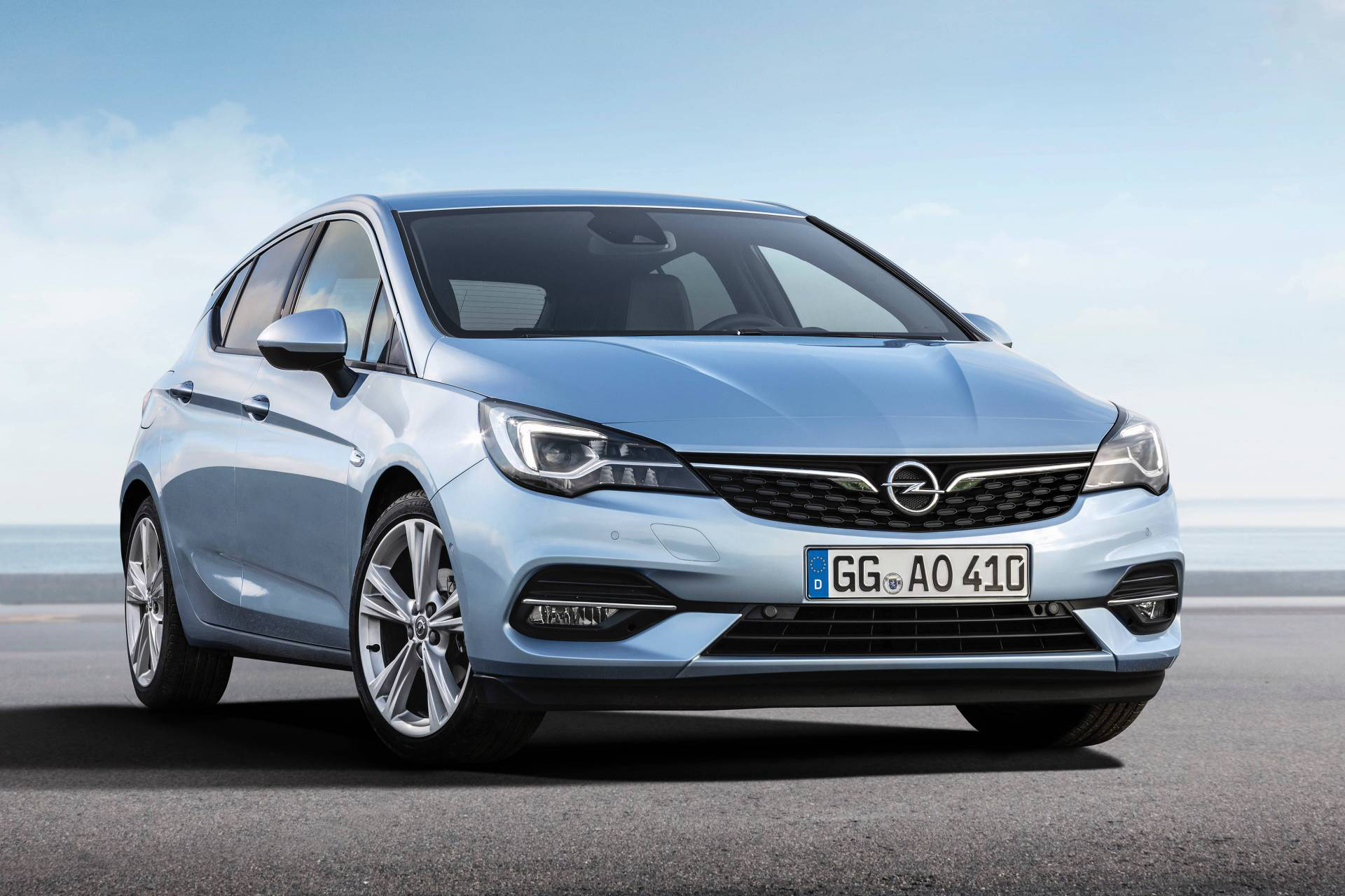 Facelifted 2020 Opel Vauxhall Astra Breaks Cover With Psa 3 Cylinder Engines Carmojo New Owner Psa Did Not Pay Much Atte New Engine Buick Envision Opel