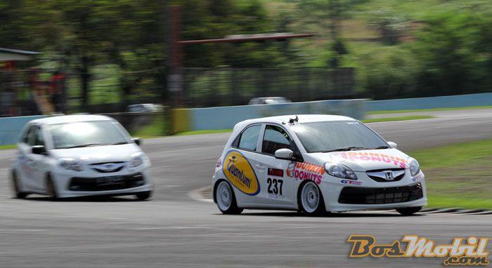 Bayu Pratama Juarai Gelaran Seri Perdana Honda Brio Speed Challenge Info Bosmobil Honda Brio Honda Sports Car