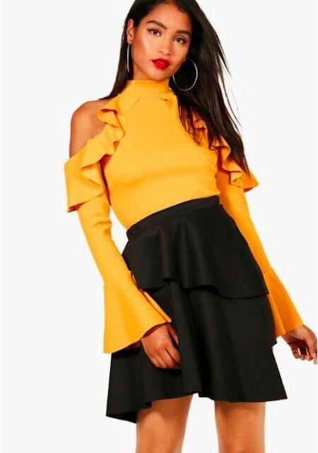 Friendsgiving Outfit #4 Ruffled Bodysuit #friendsgivingoutfit Friendsgiving Outfit #4 Ruffled Bodysuit #friendsgivingoutfit