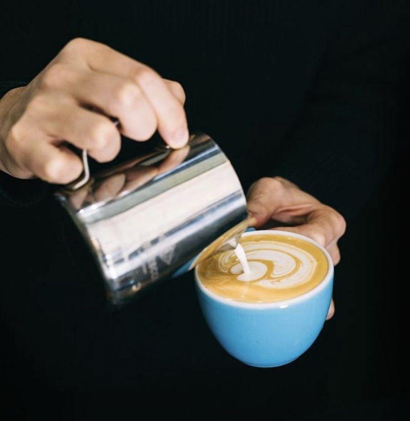 Pin By سميراء قهوة مختصة On Samira Latte Food Drinks
