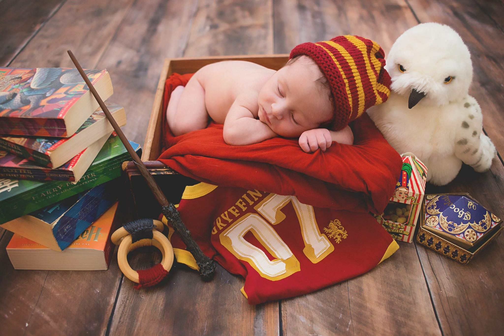 Harry potter themed newborn photo shoot with my youngest ⚡️