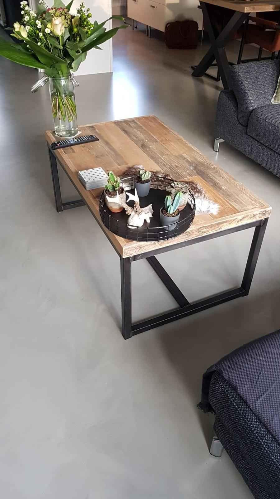 Industriele Tafel Sloophout.Industriele Salontafel Van Sloophout Met Stalen Onderframe