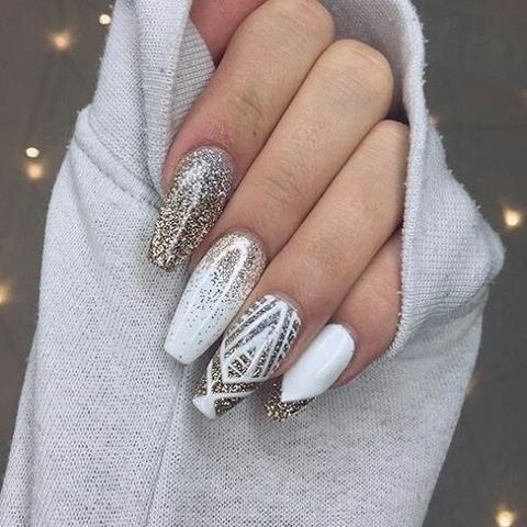 Weißes Wunderland - #blacknail #kyliejennernail #nageldesign #nagellack #nailwedding #naturalnail #pinknail #shortnail #summernail #weißes #Wunderland #onglenoel2019