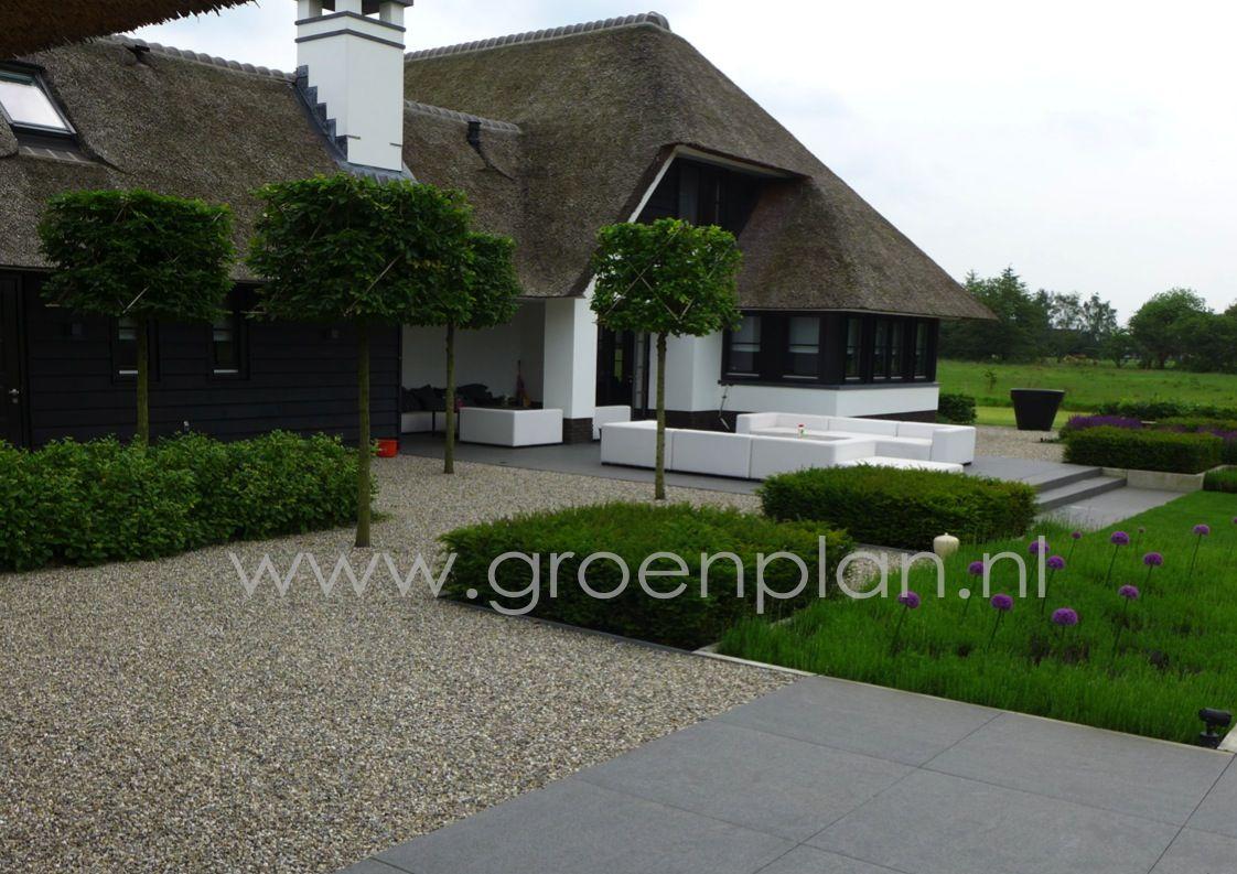 Moderne landelijke tuin bij eigentijds landhuis tuinieren pinterest - Moderne tuin ingang ...
