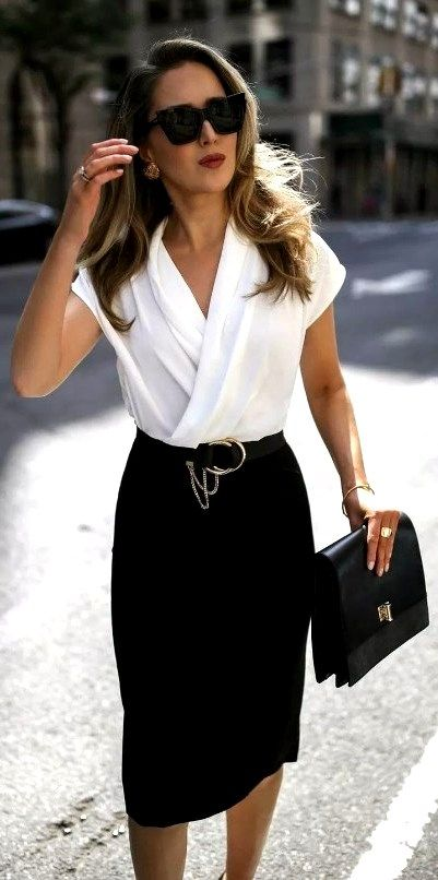 27 Cute Professional Work Outfits Ideas For Women 2020 #WOMENWORKOUTFIT #WorkOutfits