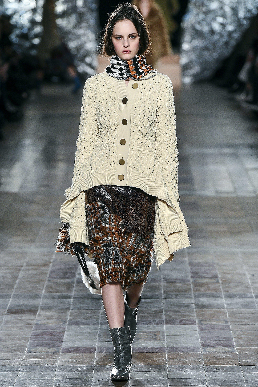 092cad714bebfa #SoniaRykiel #fashion #Koshchenets Sonia Rykiel Fall 2017 Ready-to-Wear  Collection Photos - Vogue