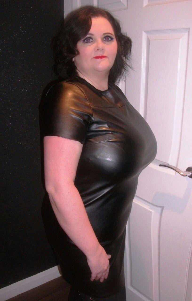 "juliejohnson777: ""prostitute dress in leather "" | bbw dressed"