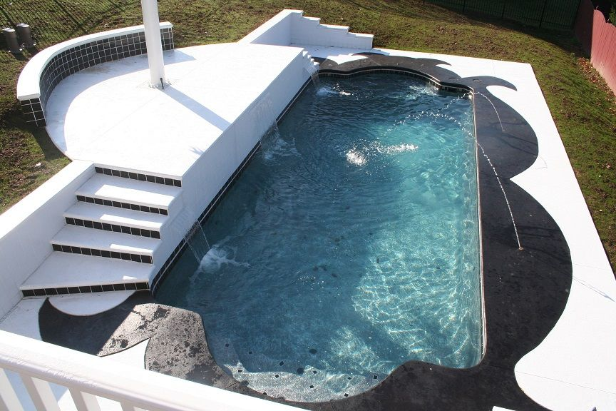 Convenient Fiberglass Swimming Pools And Their Advantages Amazing Fiberglass Swim Cool Swimming Pools Swimming Pool Installation Fiberglass Pool Installation