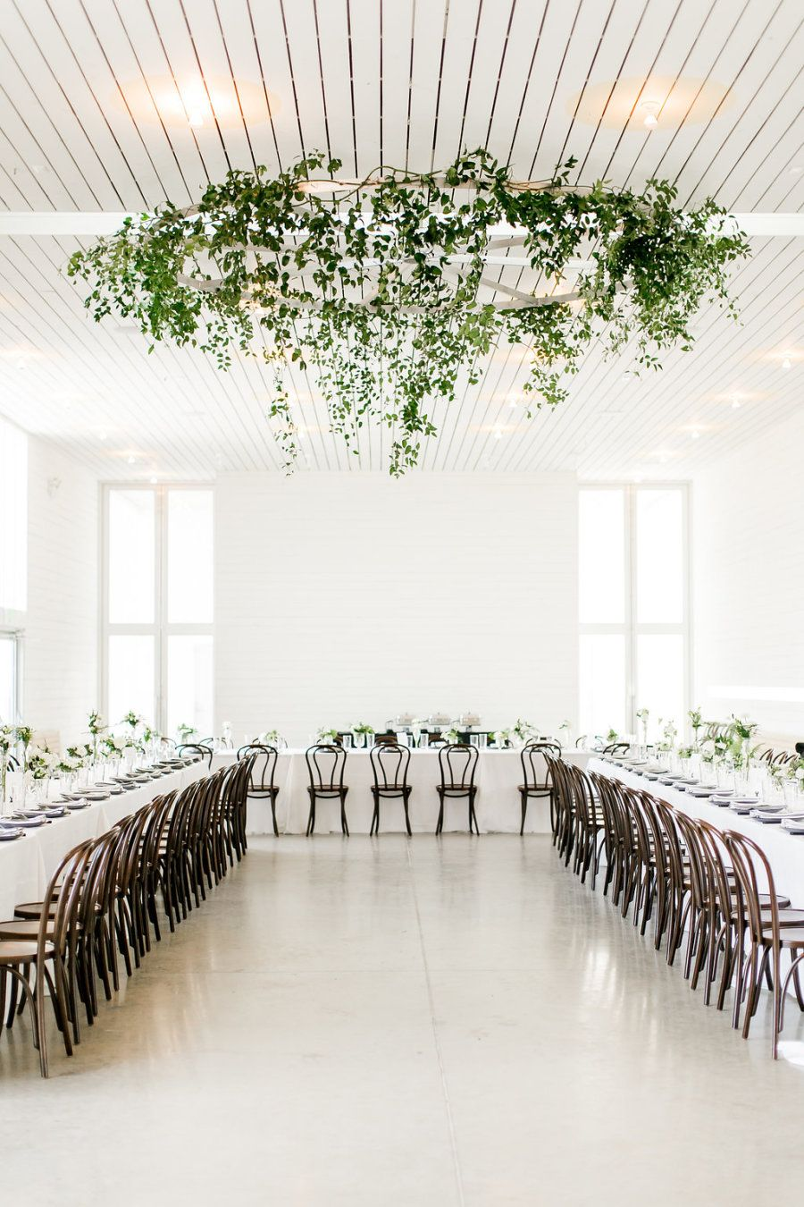 This Modern Affair Is Redefining What We Think Of Rustic Minimalist Wedding Decor Modern Minimalist Wedding Wedding Venues Indoor