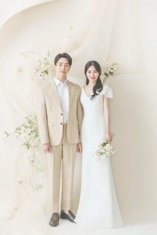 Korean Wedding C 025 Reyoo Studio Korea Wedding Pledge 1000 Di 2020 Foto Perkawinan Pakaian Pernikahan Fotografi Pengantin