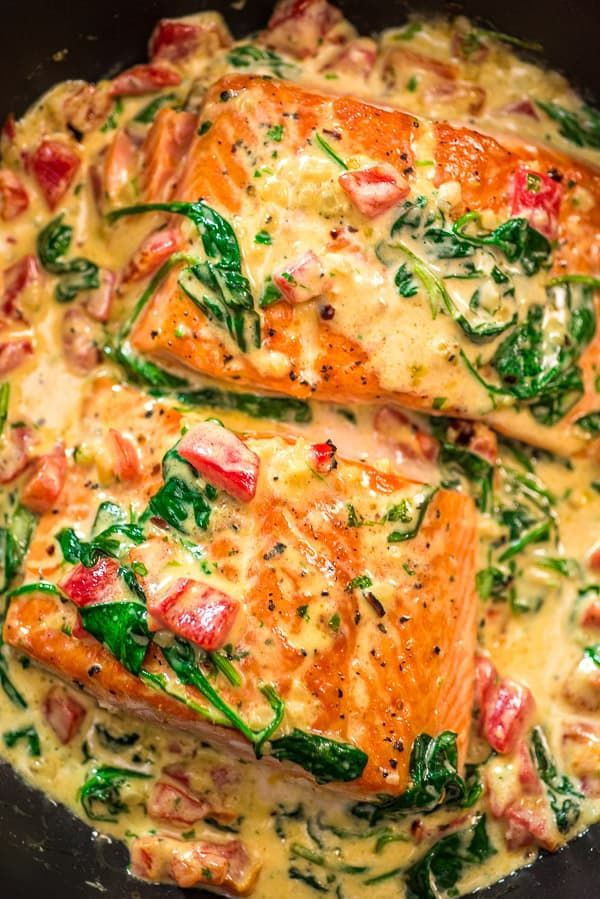 Salmon in Roasted Pepper Sauce #summerdinnerseasy