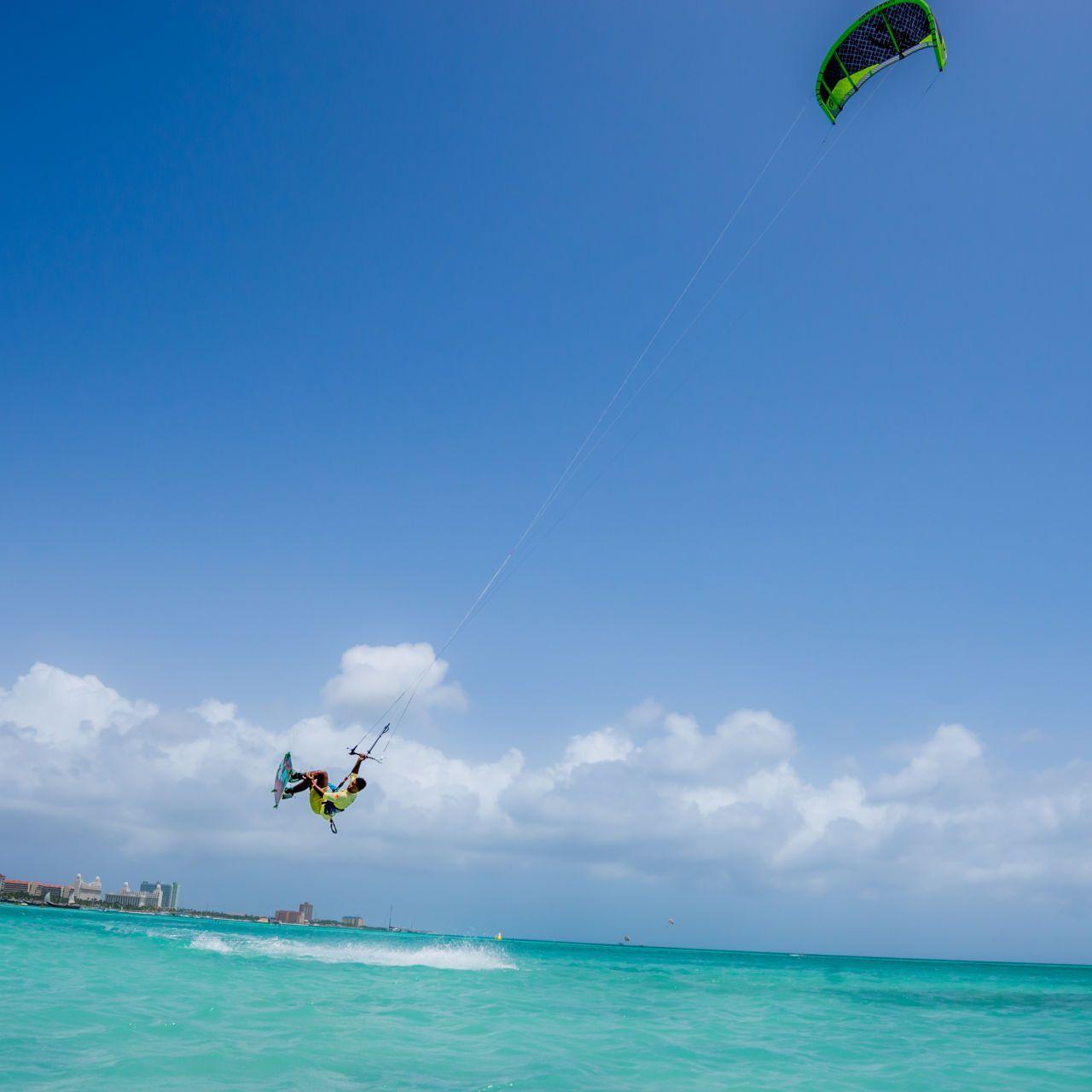 Kite Surfing Tricks Kitesurfing Kite Surfing Surfing Future Travel