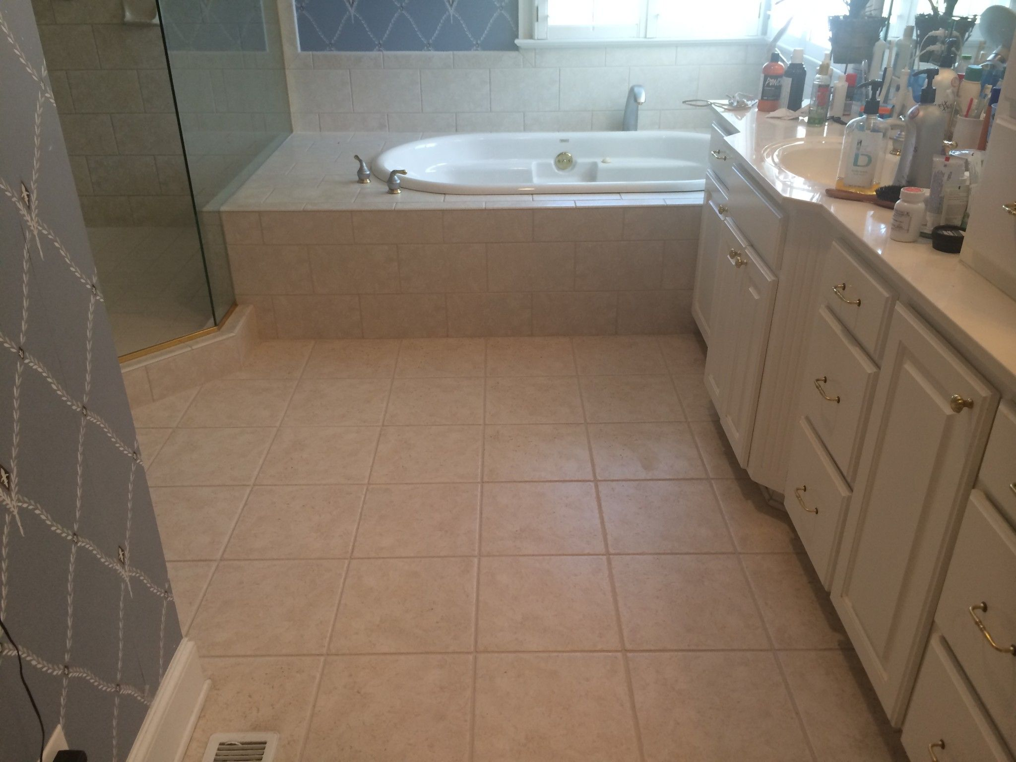 Reviving Old Bathroom Without Spending A Fortune Old Bathrooms Bathroom Bathrooms Remodel