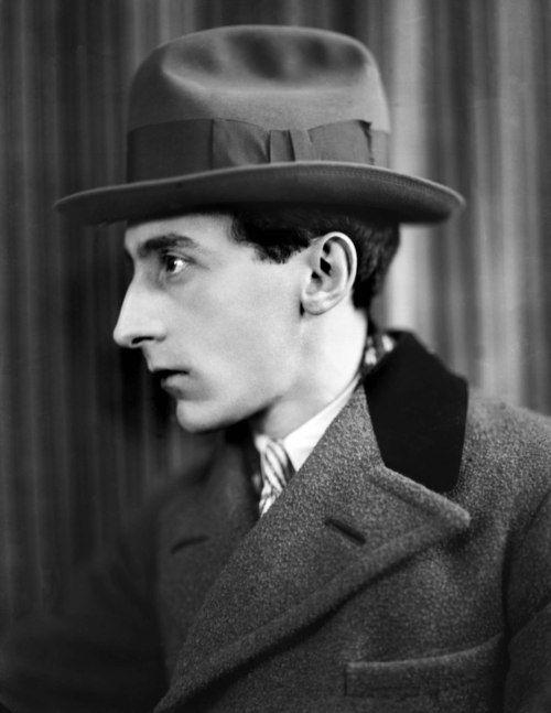 deviatesinc:    Jean Cocteau, 1926