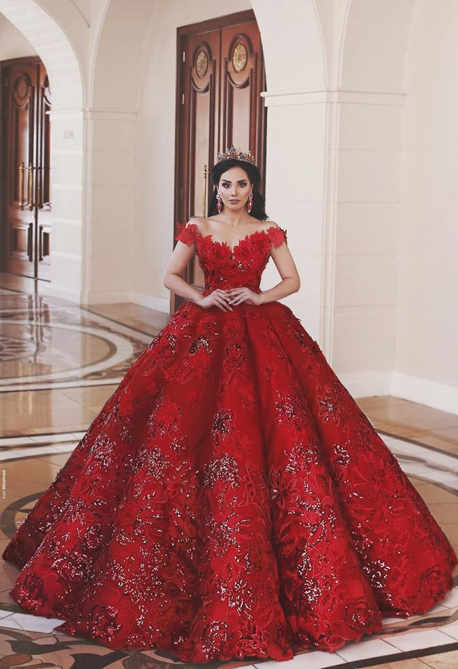 This statement red gown from Merita Merja is worthy of sitting on a ... ab754ca7a964