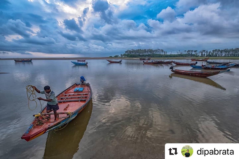 #bhubaneswarbuzz Talsari pic courtesy  @dipabrata  Boats within the clouds  Talsari Odisha India . #yourshotphotographer #yourshotindia #yourvisualdiarys #india_undiscovered #india_clicks #indiaphotographyclub #instagram #natgeotravellerindia #natgeoyourshot #natgeo @natgeotravellerindia @natgeoyourshot #worldphotographicforum #woi #ourfotoworld #photographers_of_india #photowalkglobal #creativeimagemagazine #spi_collective #swpa #sipa #sipacontest #HIPAae