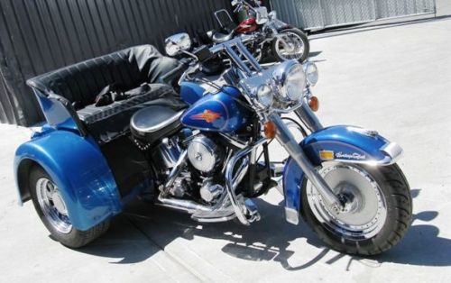 Three Seat Harley Trike Trike Has Full Registration Motorcycle Licence Required As Are Trike Motorcycle Motorcycle License Custom Trikes