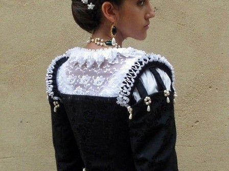 e0b89fa6506c3 16th century costume, black Venetian Renaissance gown | Starlight  Masquerade (pinned here for sleeve idea)
