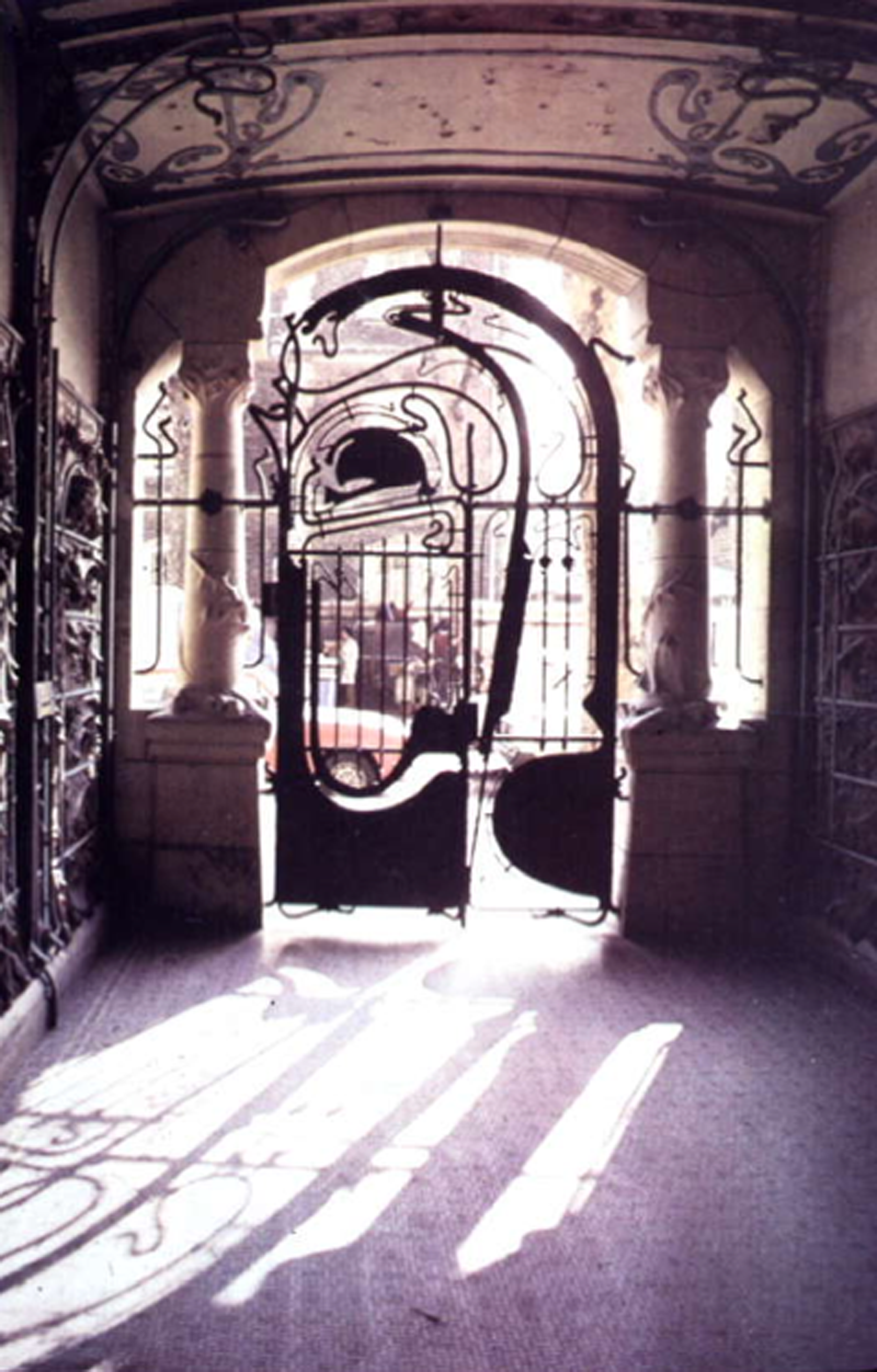 Hector Guimard Art Nouveau Modernismo