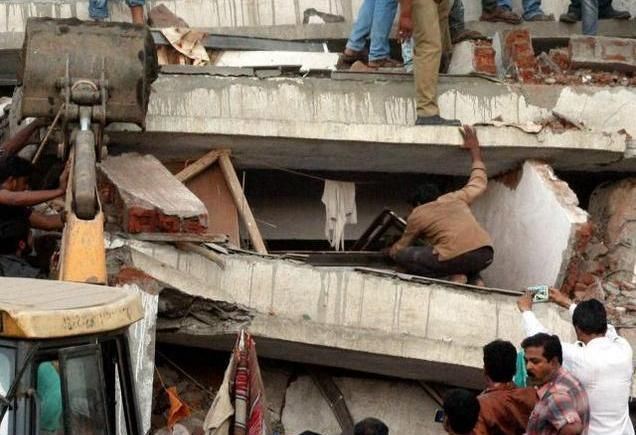 How To Spot Bad Construction In Buildings Http Www Amitenterpriseshousing Com How To Spot Bad Construction In Buildings Collapse Rescue Operations Rescue