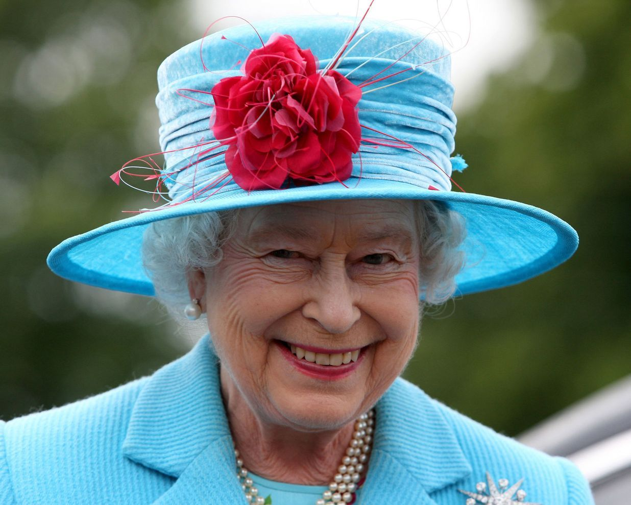 51 of Queen Elizabeth's Best Hats #queenshats
