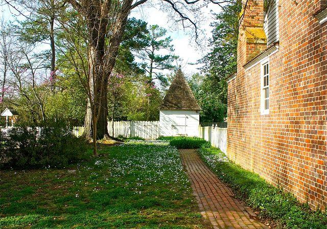 Williamsburg, Virginia - I enjoy walking through the backyards & gardens...