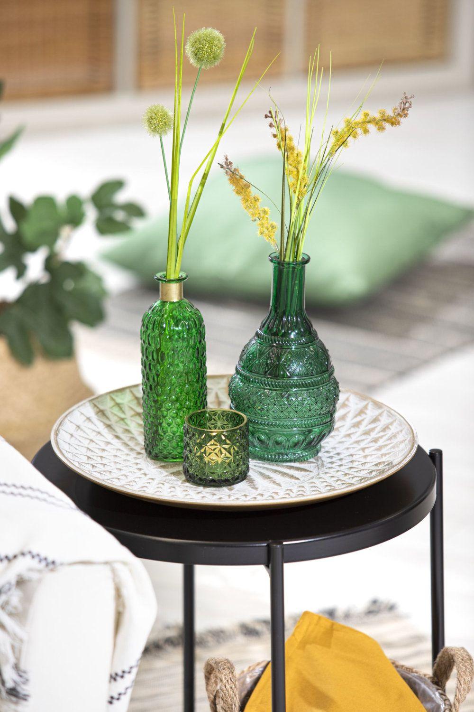 Holt euch den Sommer mit erfrischenden Farben ins Haus. Aufgeppept mit #Kunstpflanzen in #Vasen oder Kerzen lassen sich perfekte Deko-Arrangements zusammenstellen. Lassen euch von unserer Dekoration inspirieren und verwendelt euer Zuhause in eine grüne Oase! #sommerdeko #deko