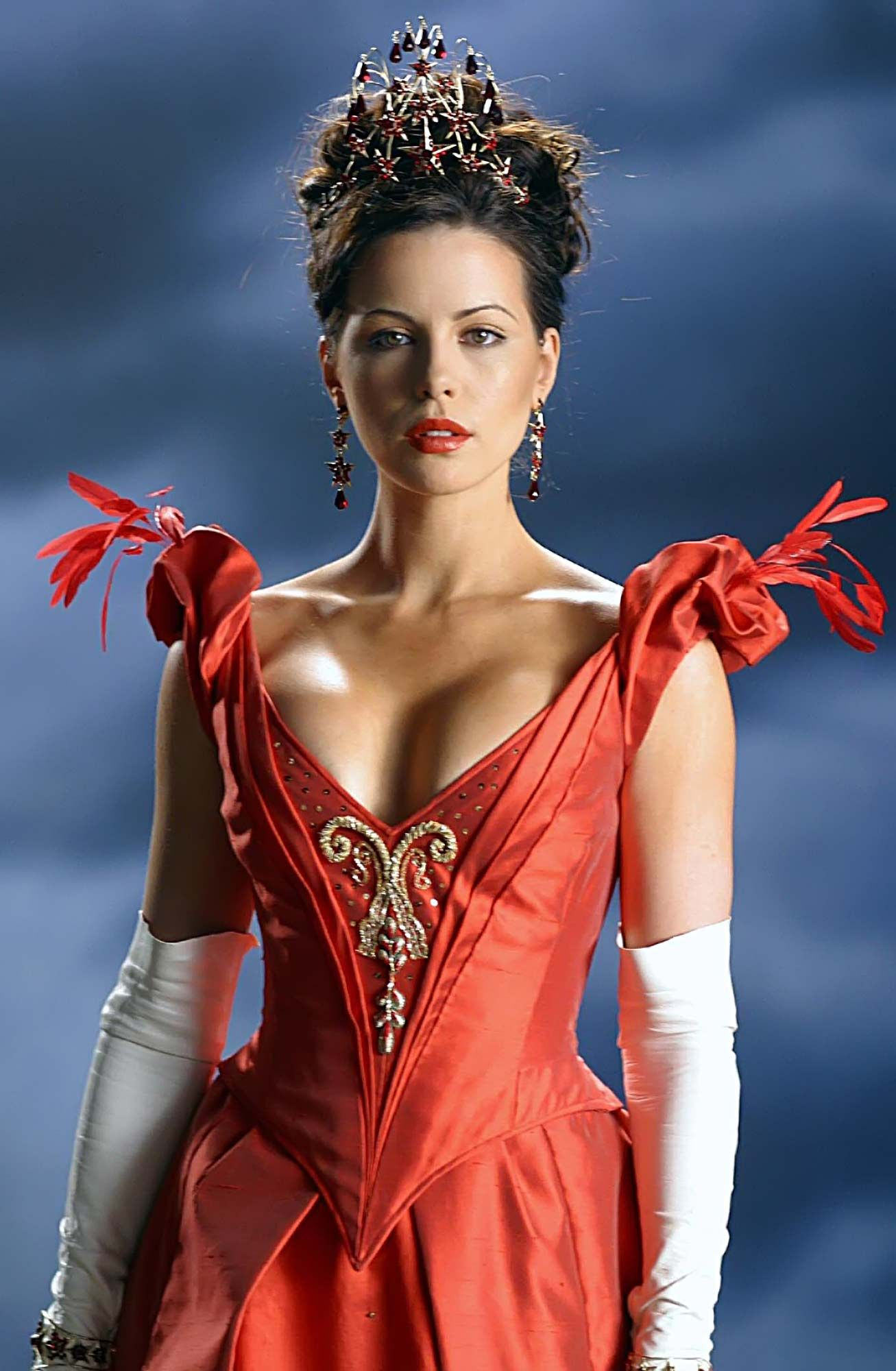 Image result for kate beckinsale gown in van helsing