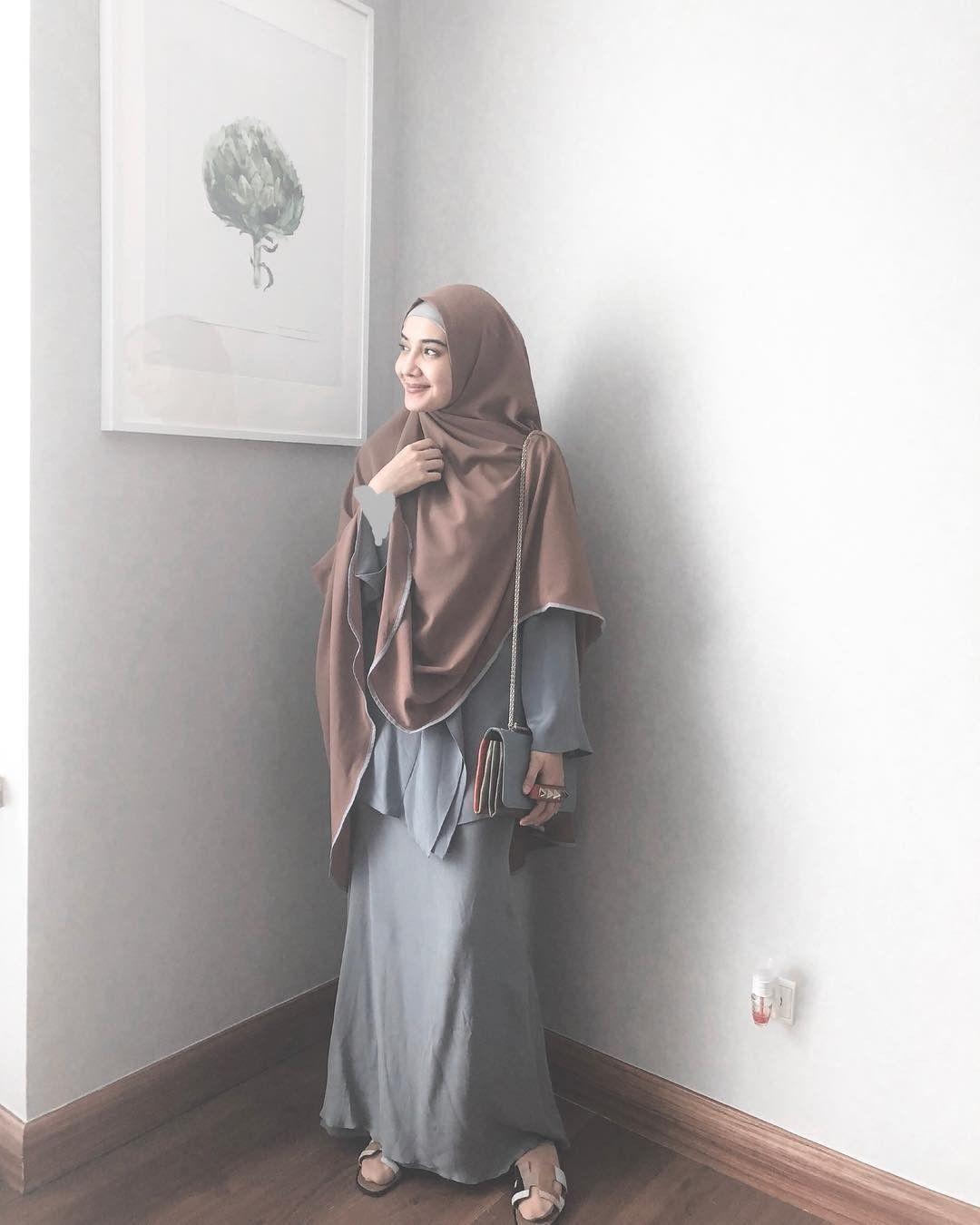 Baju Muslim Zaskia Sungkar  Gaya hijab, Baju muslim, Model