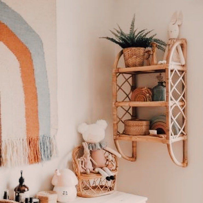 Our Memories Rattan Wall Shelf Parading Some Sweet Little Collections Thefrenchfolk Margaux Is The Queen Of Vintage Rattan Nursery Pokoj Dzieciecy Pokoj