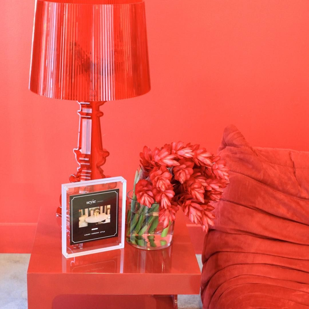 Playing with red! #seyiedesign #inspiration #celebrity #fashionableinterior #interiorbranding #consumerexperience #luxuryliving #fashion#hollywoodlife #Beverlyhills #interiors