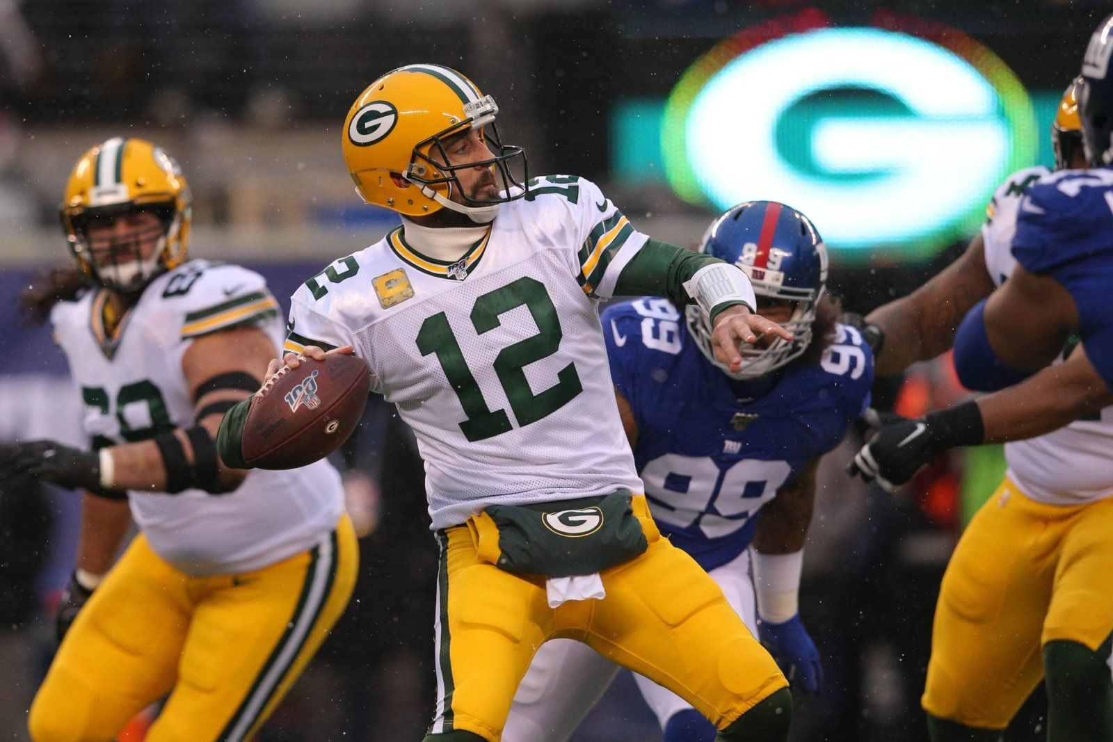 Green Bay Packers Blow Off Some Steam Against New York Giants 31 13 Total Packers New York Giants Nfl Aaron Rodgers