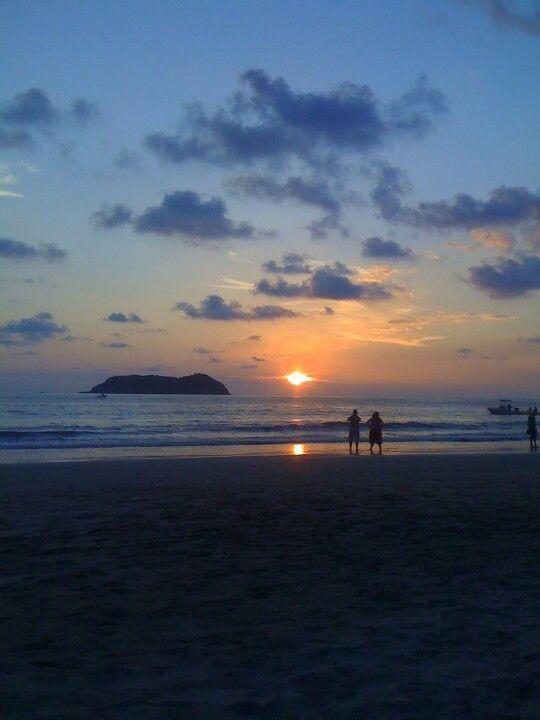 Manuel Antonio,  Costa Rica sunset #unflattering #Silhouettes