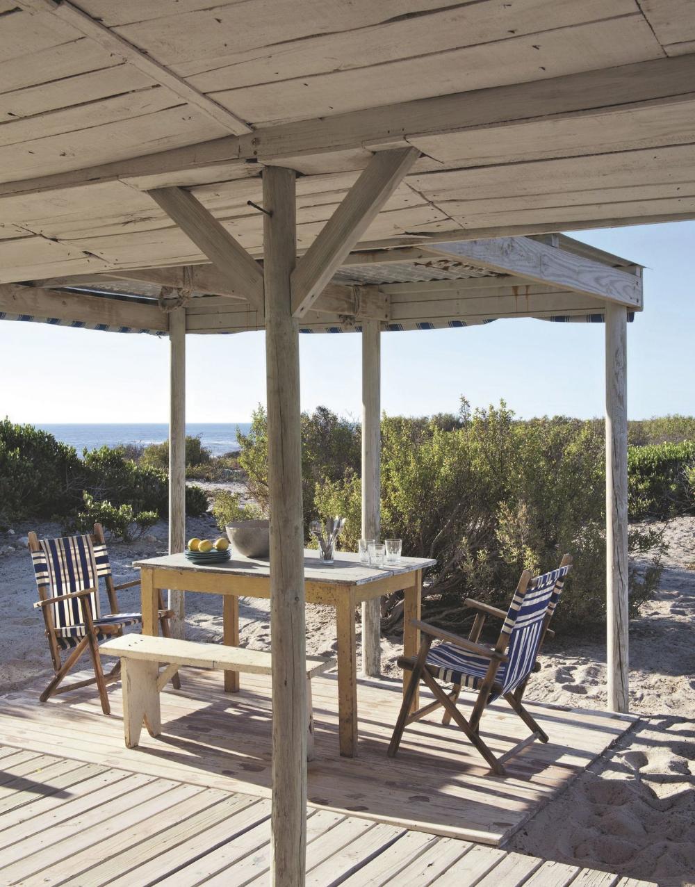 Une Cabane Maison De Vacances Familiale Face A L Ocean Maison De Vacances Cabane Maisons De Plage De Reve