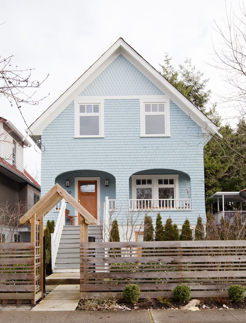 In Vancouver An Old Timer With New Design House Exterior Blue House Exterior Canadian House