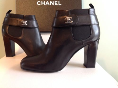 Authentic 13 A CHANEL Black Leather Short Ankle Boots CC Turnlock Closure 39