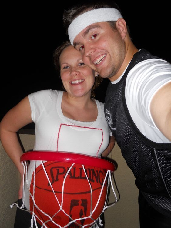 10 Awesome Halloween Costumes for Pregnant Couples Pregnant couple - funny pregnant halloween costume ideas