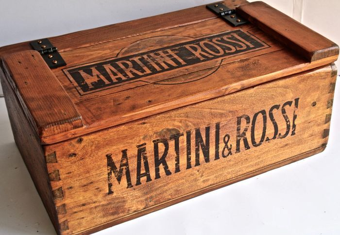 Martini & Rossi wood box