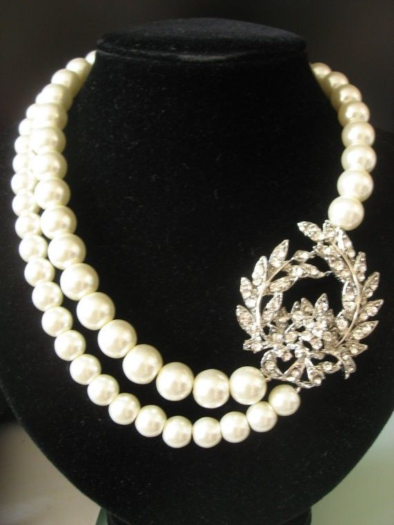These Pearls Symbolize Tom And Daisys Marriage The Night Before