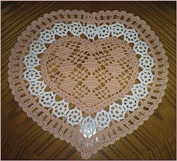 Napperon coeur et sa grille gratuite au crochet - Napperon crochet grille gratuite ...
