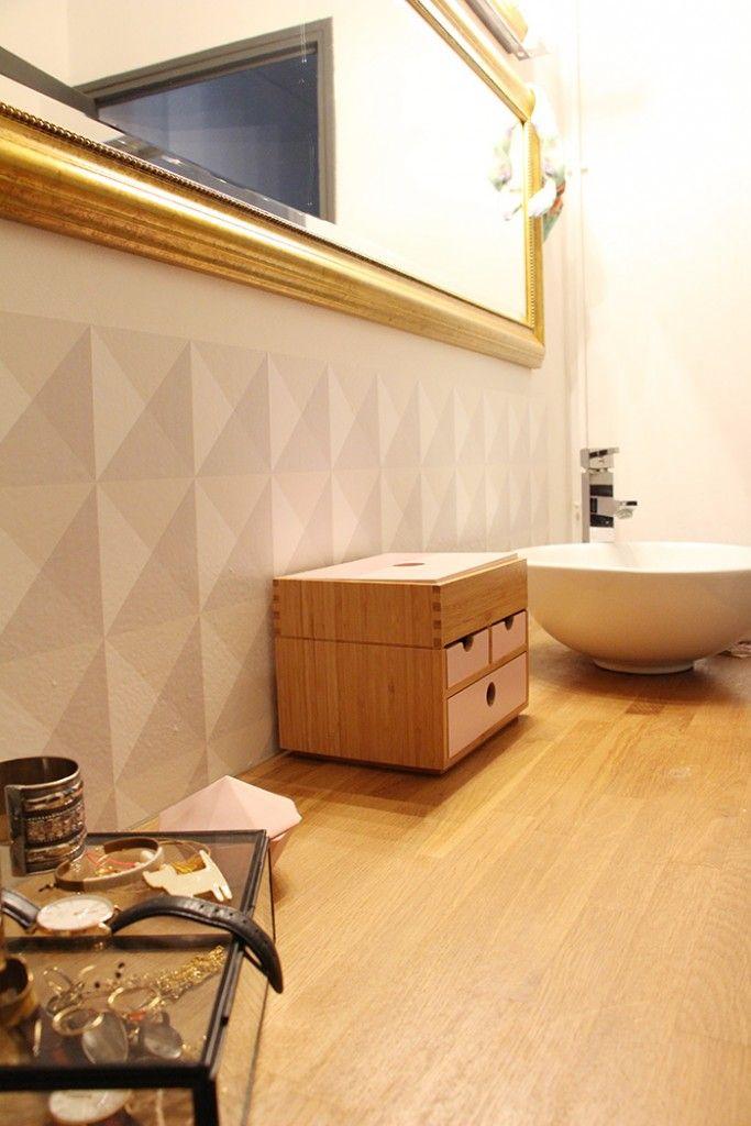 une cr dence pour la salle de bain credence salle de bain cr dence et carrelage de ciment. Black Bedroom Furniture Sets. Home Design Ideas