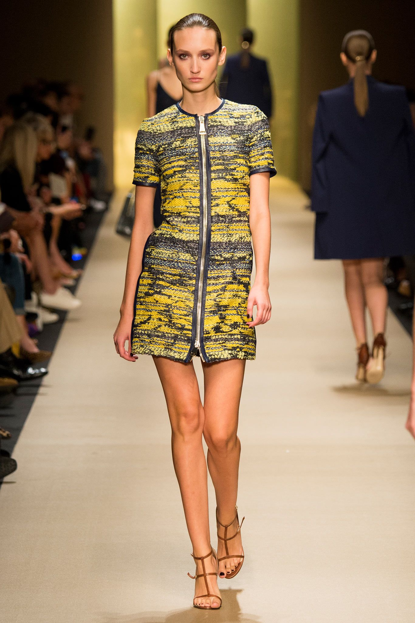 Guy Laroche Spring 2015 Ready-to-Wear - Collection - Gallery - Look 18 - Style.com