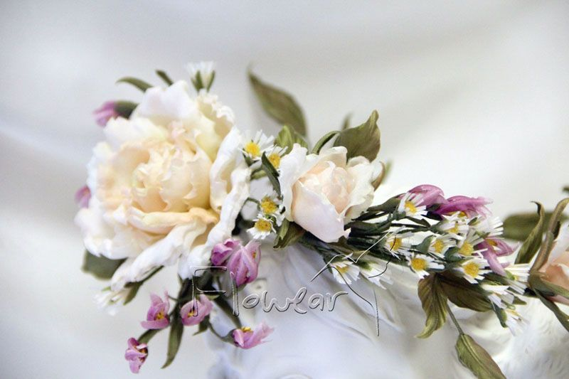Обручи из цветов и лент