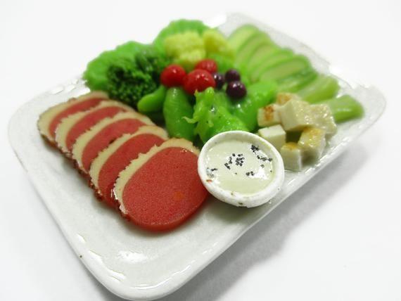 Steak Salad /& Ham on Plates Dollhouse Miniatures Food Supply Deco 7