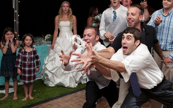 It S Time To Skip The Traditional Bouquet And Garter Toss Think
