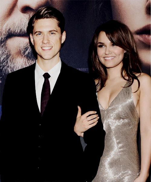 Sam & Aaron l Les Mis Premiere  And at this moment, the Enjonine shippers went wild
