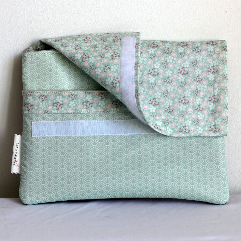 pochette ipad bo graphik face scratch sewing pinterest ipad and sewing projects. Black Bedroom Furniture Sets. Home Design Ideas