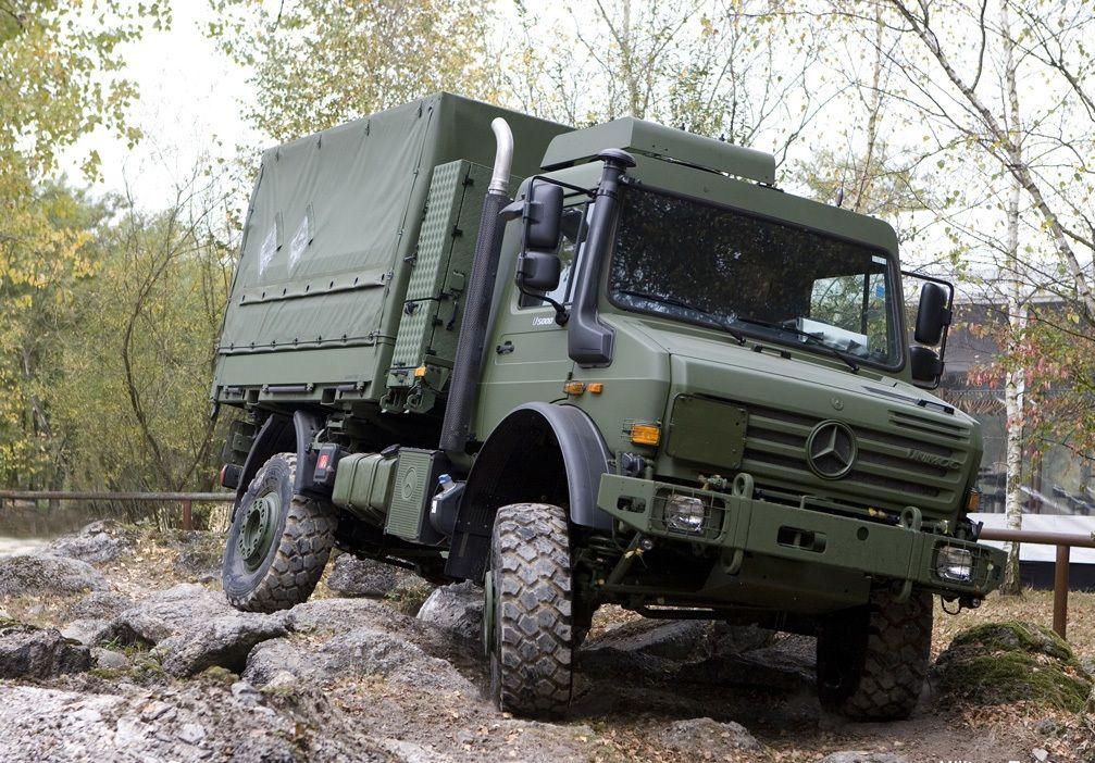 Mercedes-Benz Unimog 4x4 Light utility truck German army ...